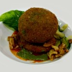 Sfera di spinaci e mozzarella di bufala su zoccolo di patata…