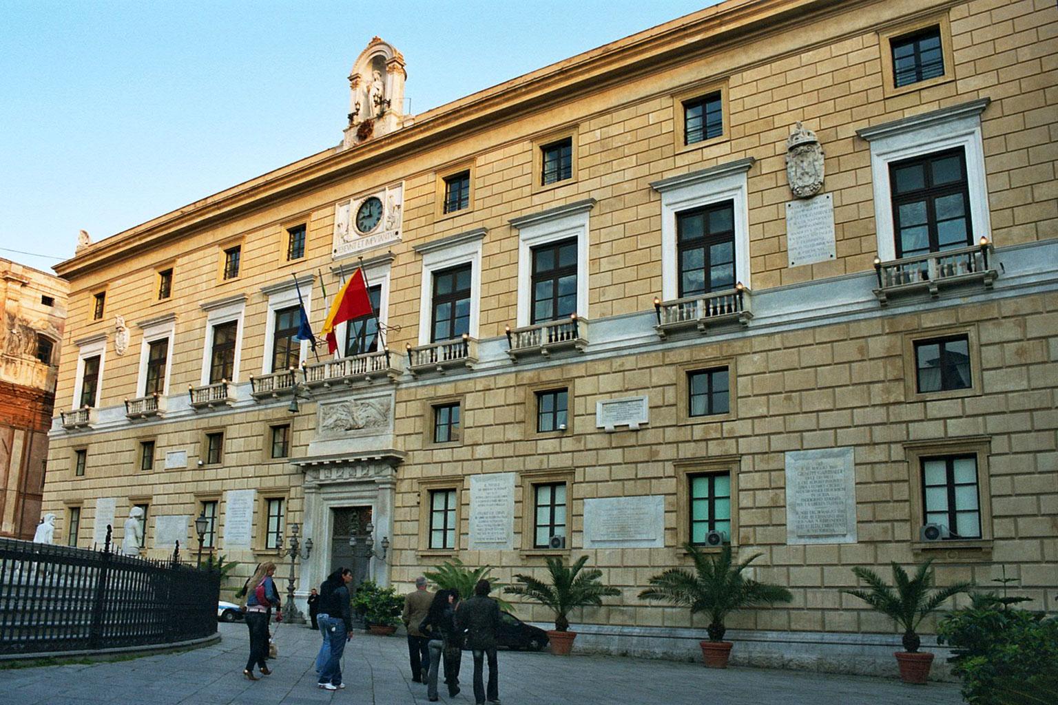 palazzo-delle-aquile