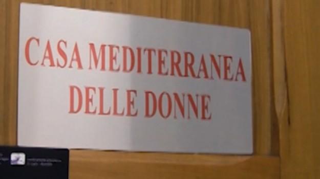 La casa mediterranea la casa di tutte le donne for Numeri di casa mediterranea
