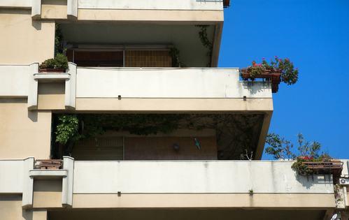 Parapetto terrazza a livello: chi paga la manutenzione?